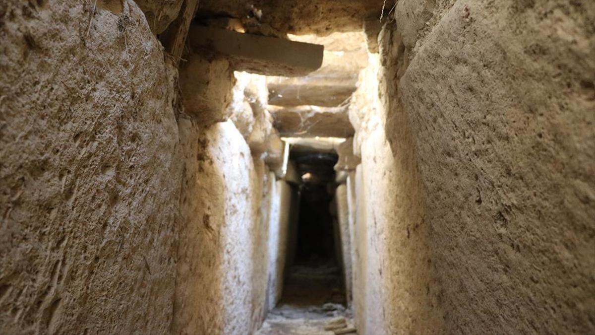Tripolis Antik Kenti'nde 160 santimetre yüksekliğinde 2 bin yıllık kanalizasyon bulundu
