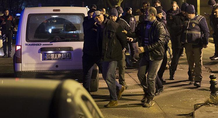 ABD Büyükelçiliği önünde havaya ateş açan kişi gözaltına alındı