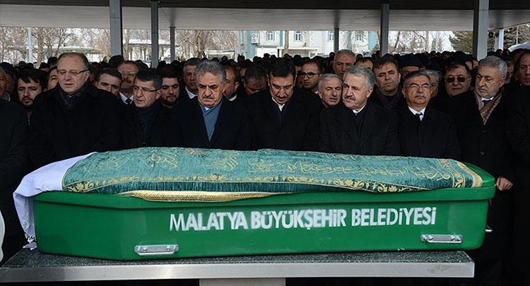 Bakan Tüfenkci'nin annesi son yolculuğuna uğurlandı