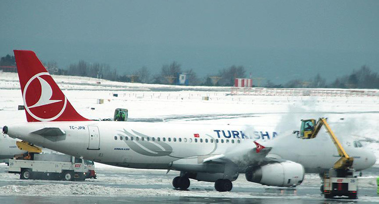 İstanbul'da THY'nin 113 seferine kar iptali