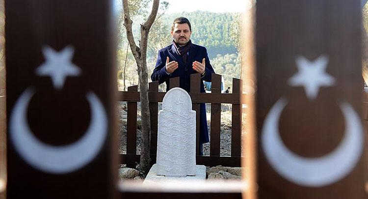 Çanakkale şehidi Mehmet Çavuş'un mezarı 102 yıl sonra bulundu