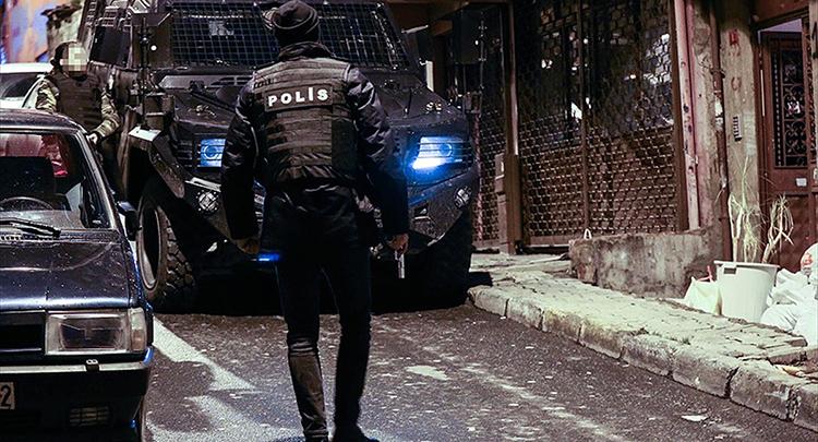 İstanbul'da 104 adrese terör operasyonu: 70 gözaltı