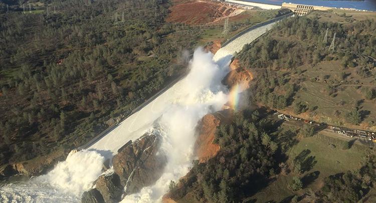 ABD'de barajdaki delik nedeniyle binlerce kişi tahliye edildi