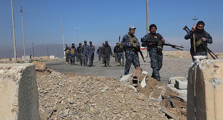 Irak ordusu Musul'un güneyinden üç koldan ilerliyor