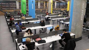 Şehit Aybüke öğretmenin ismini taşıyan kütüphaneye yoğun ilgi