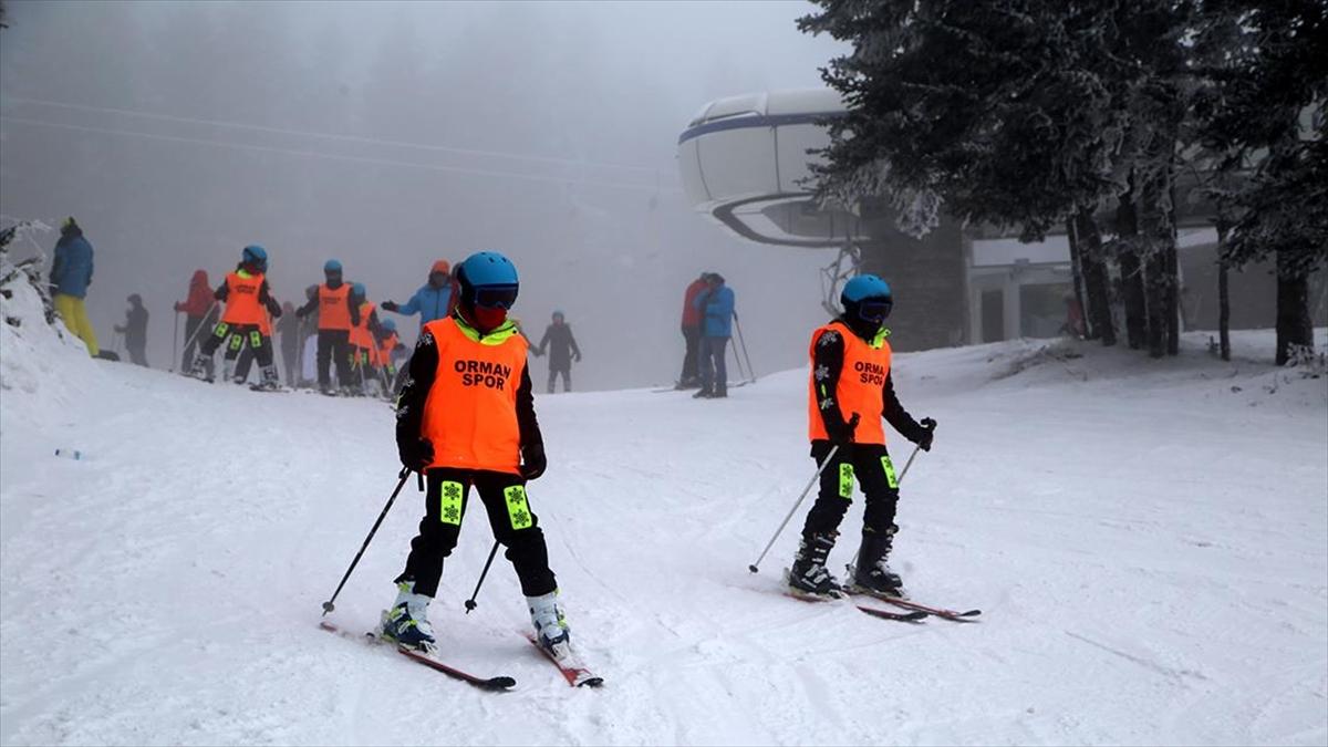 Geleceğin kayakçıları, Ilgaz Dağı'nda yetiştiriliyor
