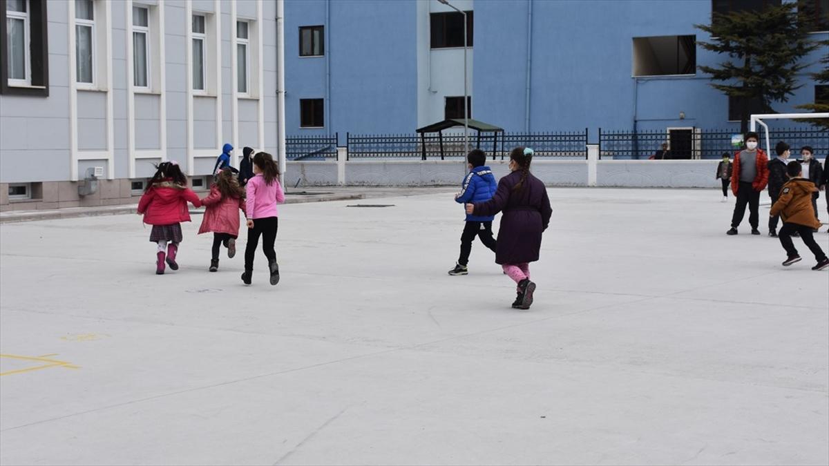 Ankara'da eğitim ve öğretimle ilgili mevcut uygulama devam edecek