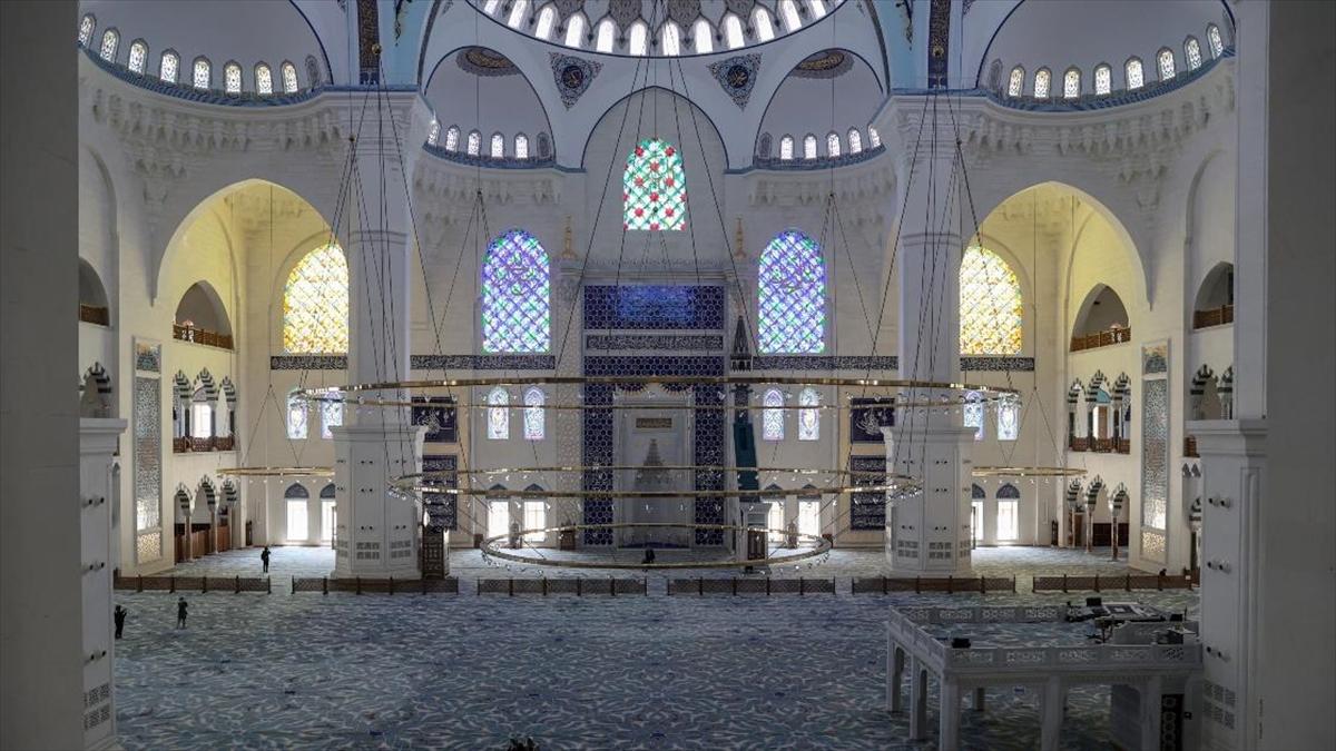 Büyük Çamlıca Camisi 2 yılda 12 milyon ziyaretçiyi ağırladı