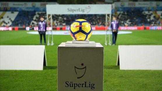 Süper Lig'de şampiyon ve küme düşenler bugün belli olabilir