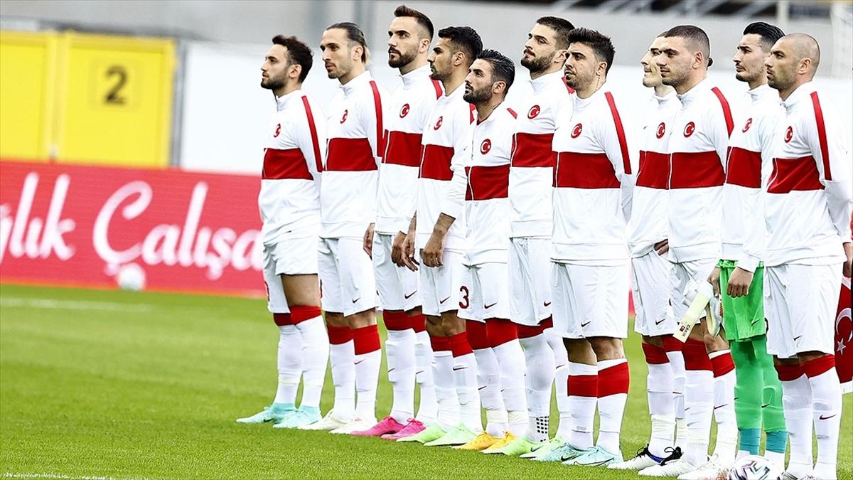 Millilerin EURO 2020'de formalarında taşıyacakları isimler ve numaralar belli oldu