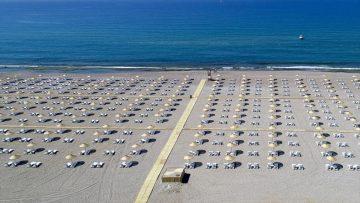 Kültür ve Turizm Bakanlığının '5 yıldızlı halk plajı' hizmeti yaygınlaştırılıyor