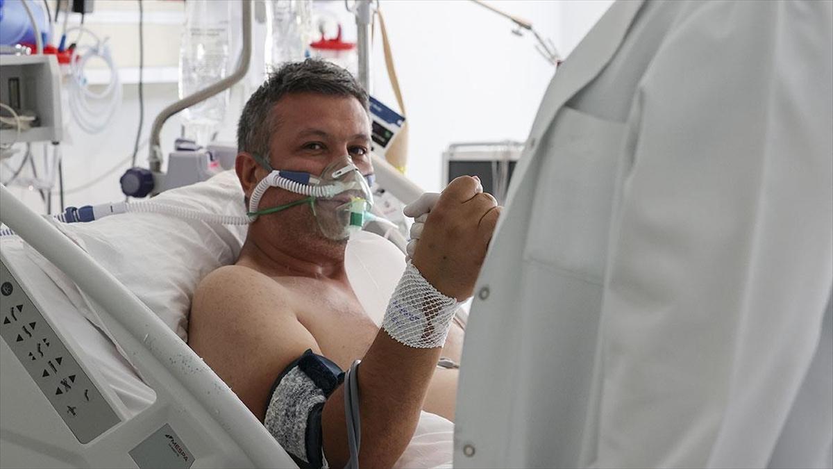 Yoğun bakımdaki Kovid-19 hastası Yavaş: Hayatımla oynadım. Kimse aşısını ihmal etmesin