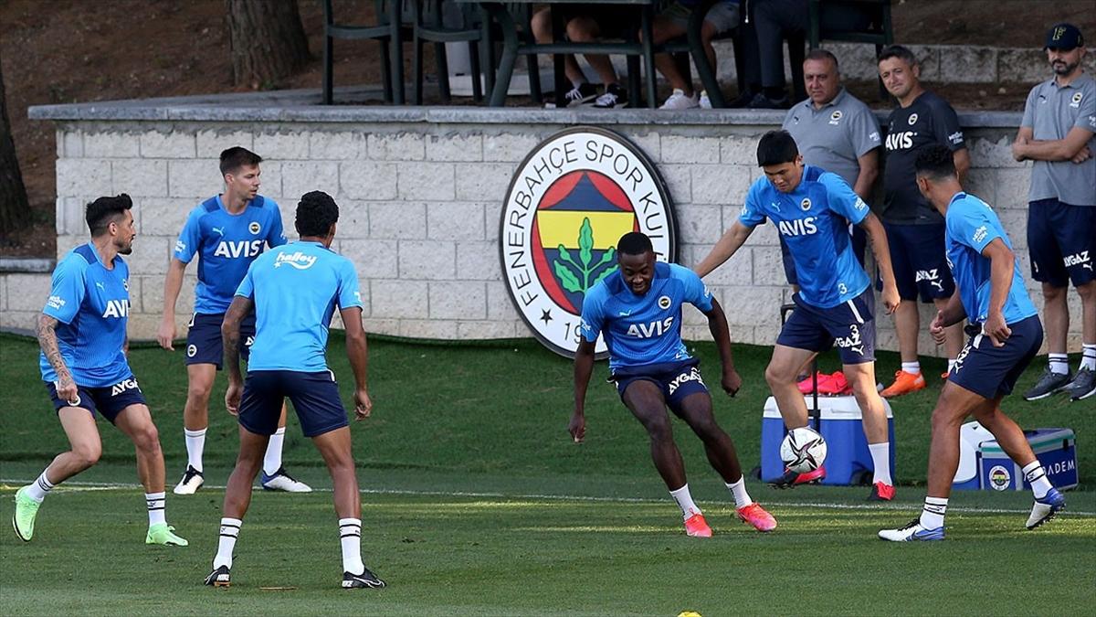 Fenerbahçe, Süper Lig'in 2. haftasında bugün Antalyaspor'u konuk edecek