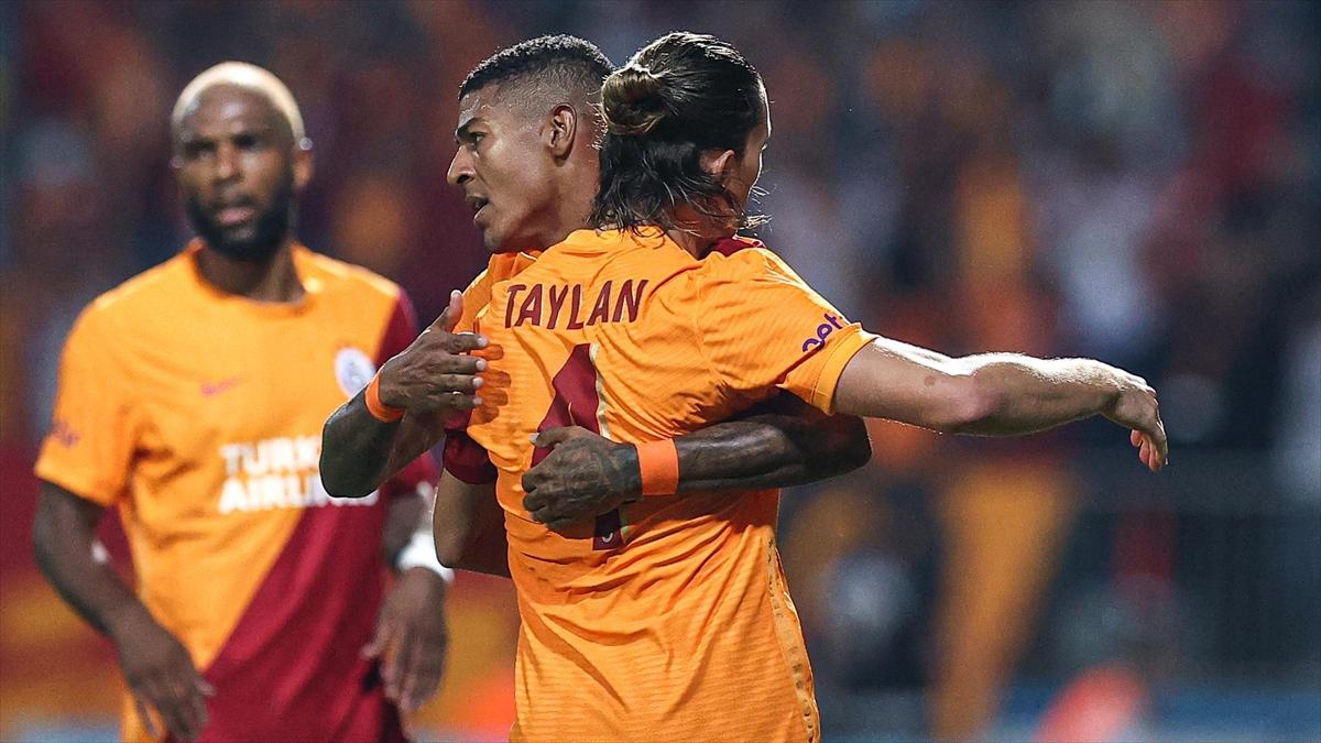 Galatasaray, UEFA Avrupa Ligi'nde gruplara kaldı