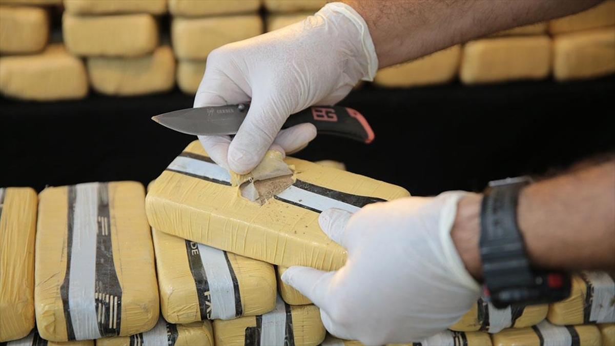 Hakkari ve Van'daki operasyonlarda 405 kilo 600 gram eroin ele geçirildi